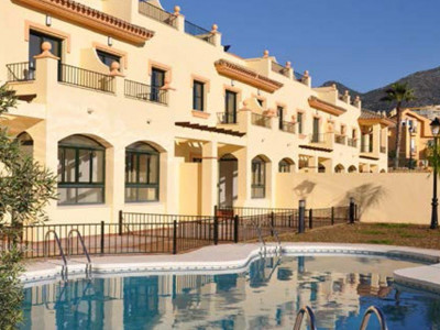 Fuengirola, Magnificent townhouse for sale in the sought after area of Los Pacos in Fuengirola
