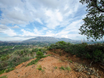 Mijas Costa, Large plot for sale La Cala Golf in Mijas Costa with a building project in place