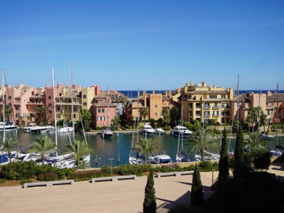 Sotogrande, Quality apartment for sale in Marina de Sotogrande a 5 minute walk from the beach