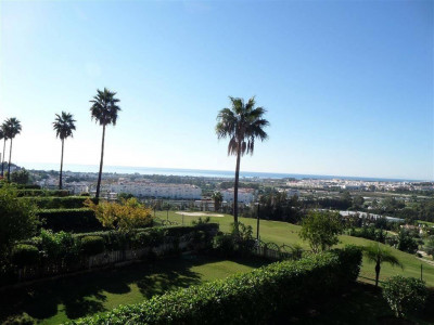 Nueva Andalucia, Lovely apartment for sale in a prestigious complex in Nueva Andalucia