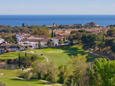 Marbella East, Excellent frontline golf apartment for sale in Elviria in Marbella with 100% finance available