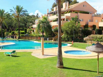 Marbella East, Bright & light apartment for sale in the sought after area of Elviria in Marbella