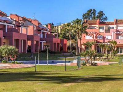 Sotogrande, Bank repossession semi-detached villa for sale in the exclusive Sotogrande