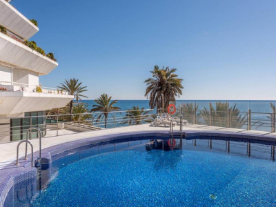 Marbella, Exclusive beach front apartment for sale in the centre of Marbella