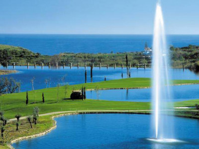 Benahavis, Plot for sale in the exclusive Los Flamingos golf and country Club