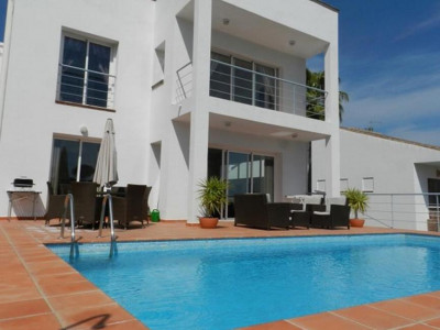 Mijas Costa, Contemporary front line golf villa for sale in the La Cala Golf Resort