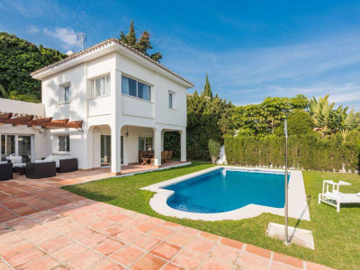 Nueva Andalucia, Refurbished contemporary villa for sale in Nueva Andalucia just behind Puerto banus