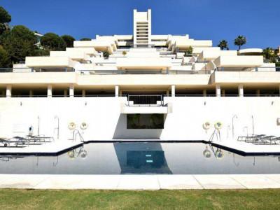 Nueva Andalucia, Contemporary apartment for sale in the Nueva Andalucia close to Puerto Banus