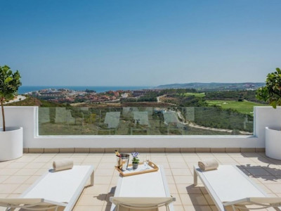 Casares, Stunning luxury apartment for sale in Casares within a prestigous Hotel & Golf Resort