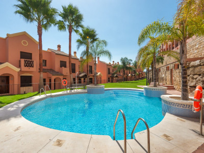 Estepona, Bank repossession townhouse for sale in Estepona with stunning panoramic views. 55% OFF