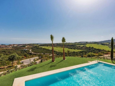 Casares, Stunning luxury apartment for sale in Casares within a prestigious Hotel & Golf Resort