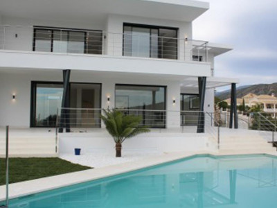 Benahavis, Brand new villa for sale in the sought after area of La Quinta in Benahavis