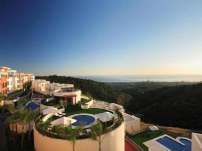 Marbella East, Luxury apartment for sale in Marbella with panoramic views of the Mediterranean coast