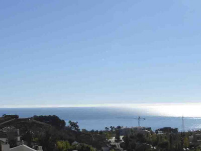 Benalmadena, Beautiful semi detached house for sale in Benlamadena with sea panoramic views