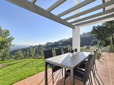 Marbella East, Bank repossession garden apartment for sale in Marbella east with panoramic sea views