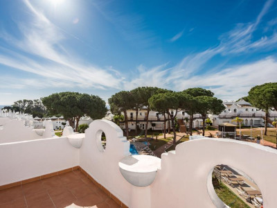 Marbella East, Brand new apartment for sale in Marbella east set within a luxury hotel resort