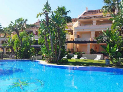 Nueva Andalucia, Beautiful ground floor apartment for sale in the Nueva Andalucia Golf Valley
