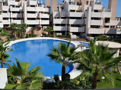 Estepona, Investment opportunity beachside apartment for sale in the New Golden Mile in Estepona