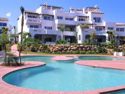 Marbella - Puerto Banus, Apartamento de planta baja en una urbanización exclusiva al lado de Puerto Banus