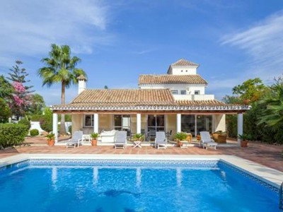 Nueva Andalucia, Quality villa for sale in the heart of the Nueva Andalucia Golf Valley