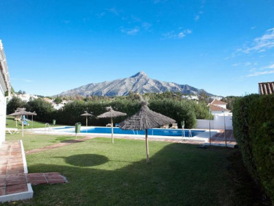 Nueva Andalucia, Rustic townhouse for sale in Nueva Andalucia in a pretty Pueblo Blanco styled urbanisation