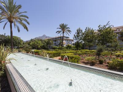 Nueva Andalucia, Lujoso apartamento planta baja en venta, cerca de Puerto Banus