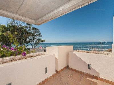 Estepona, Exlusive beach side penthouse for sale in the New Golden Mile in Estepona