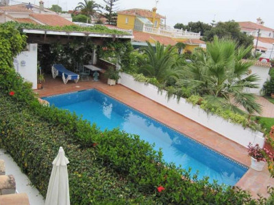 Marbella East, Investment opportunity villa for sale built on two plots in Marbella east