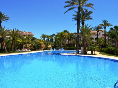 Nueva Andalucia, Contemporary apartments in Nueva Andalucia within walking distance to Puerto Banus