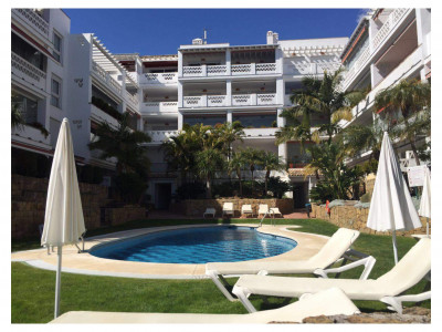 Marbella Golden Mile, Spacious frontline beach 3 bedroom apartment in Marbella Golden Mile