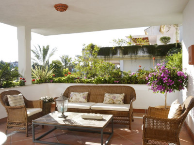 Marbella Golden Mile, BRIGHT 3 BEDROOM APARTMENT FOR SALE IN THE MARBELLA GOLDEN MILE