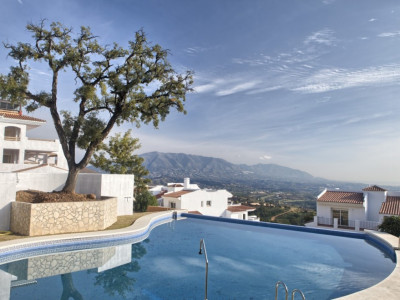 Marbella East, Brand new bank repossession apartments with stunning sea views