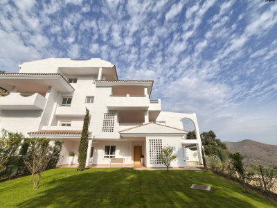 Marbella East, Brand new bank repossession ground floor apartment with stunning sea views