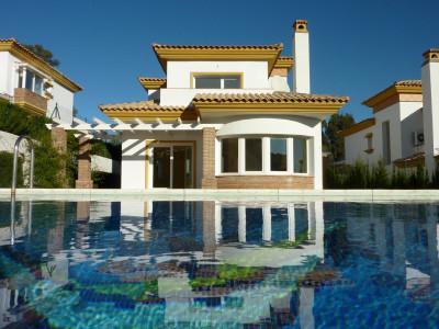 Mijas Costa, Hermosa villa situada en primera linea de golf, en La Cala Golf