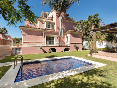 Marbella, Stunning villa one street back from the sea, with amazing sea views set within a beachfront urbanization called Lorea Playa, Marbella.