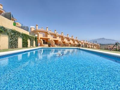 Estepona, Brand new charming townhouses with lift in New Golden Mile, Estepona
