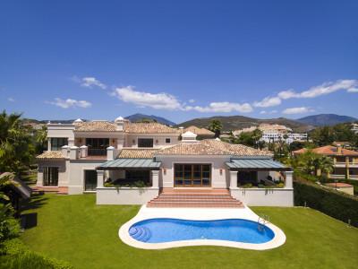 Marbella, Impresionante villa dentro de un complejo de lujo en Nueva Andalcia, Marbella