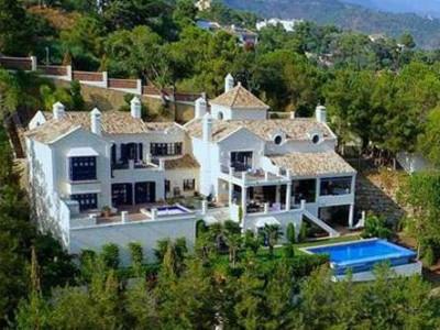 Benahavis, Massive 5 bedrooms villa for sale in Benahavis