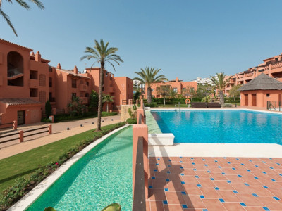 Benahavis, Outstanding  Penthouse with stunning sea and coastal views in a luxury 5 star complex