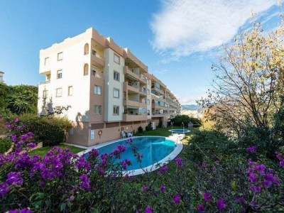 Nueva Andalucia, Spacious ad modern 3 bedroom apartment 10 minutes walk to Puerto Banus
