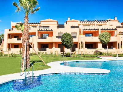 Casares, 2 bedroom apartments 300 metres from the beach in Estepona West