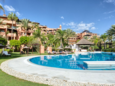 Estepona, Luxury 2 bed apartment for sale in Kempinski Hotel - Private Wing