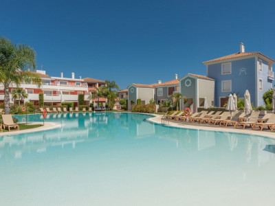 Estepona, Affordable luxurious properties with full resort services in New Golden Mile