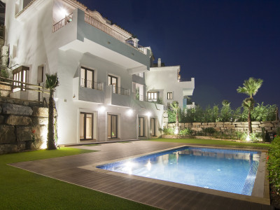 Benahavis, Stunning Mansion style villa in Benahavis