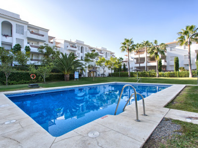 Estepona, Nice 3-bedroom apartment, south facing and garden views in New Golden Mile, Estepona