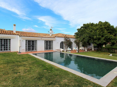 San Pedro de Alcantara, Recently renovated beachside villa in San Pedro de Alcantara, Marbella