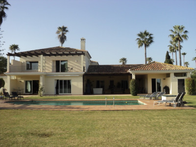 Sotogrande, Wonderful refurbished property in a contemporary style near to Sotogrande Beach Club