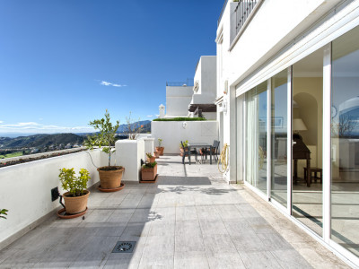Benahavis, Spacious triplex 4-bedroom penthouse in Heredia, Benahavis