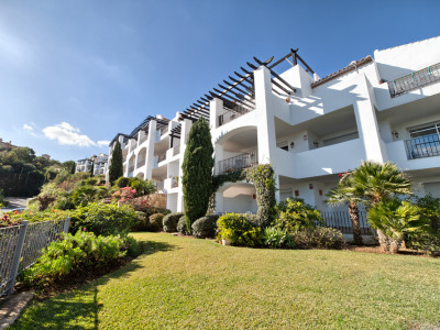Benahavis, Beautiful two bedroom groundfloor apartment in Altos de la Quinta, Benahavis.