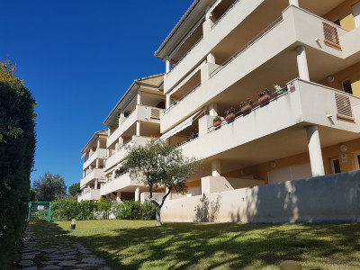 Marbella East, Beautiful 2 bedroom apartment in Elviria, close to everything